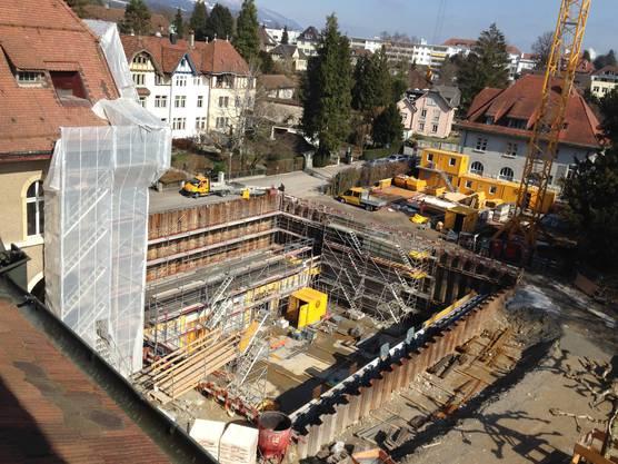 Der Blick auf den Umbau aus dem Schulzimmer