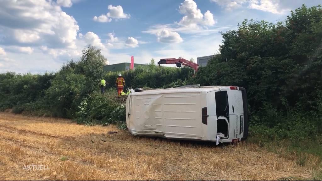 Sekundenschlaf am Steuer führt zu Unfallserie im Aargau