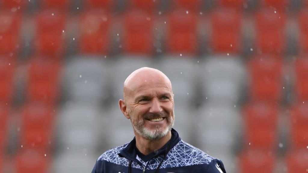 Carlos Bernegger soll beim FC Thun bis Sommer 2024 Cheftrainer bleiben