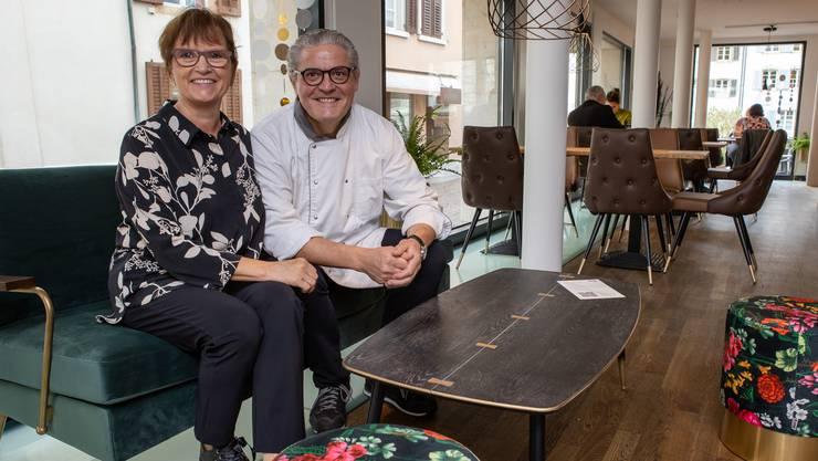 Bernadette Rickenbacher und Peter Oesch am neuen Wirkungsort.