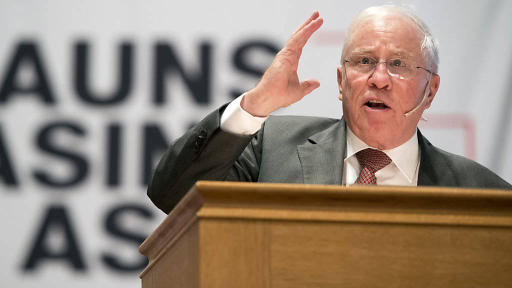 AUNS-Gründungspräsident und alt Bundesrat Christoph Blocher schwört die Basis am Samstag in Bern auf eine neue Anti-EU-Abstimmung ein.