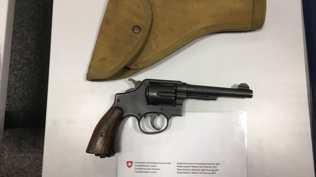 Den Revoler Marke Smith & Wesson Kaliber 38 kennt man eher aus Westernfilmen.