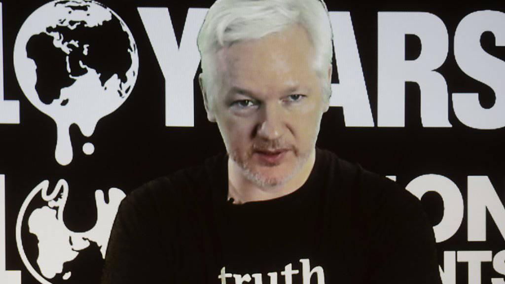 Wikileaks-Gründer Julian Assange muss in seinem Exil in der Botschaft Ecuadors ohne Internet auskommen. (Archivbild)