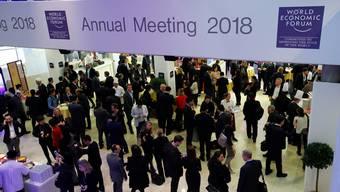 WEF-Besucher im Davoser Kongresszentrum, wo am Freitag das 48.Weltwirtschaftsforum zu Ende ging.Denis Balibouse/Reuters