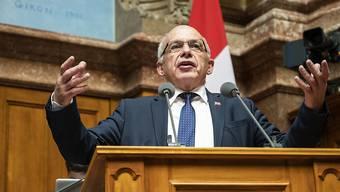 «Den Vorwurf, dass sich der Bundesrat vor den Versicherungen verbeuge, weise ich in aller Form zurück.» Bundespräsident Ueli Maurer.
