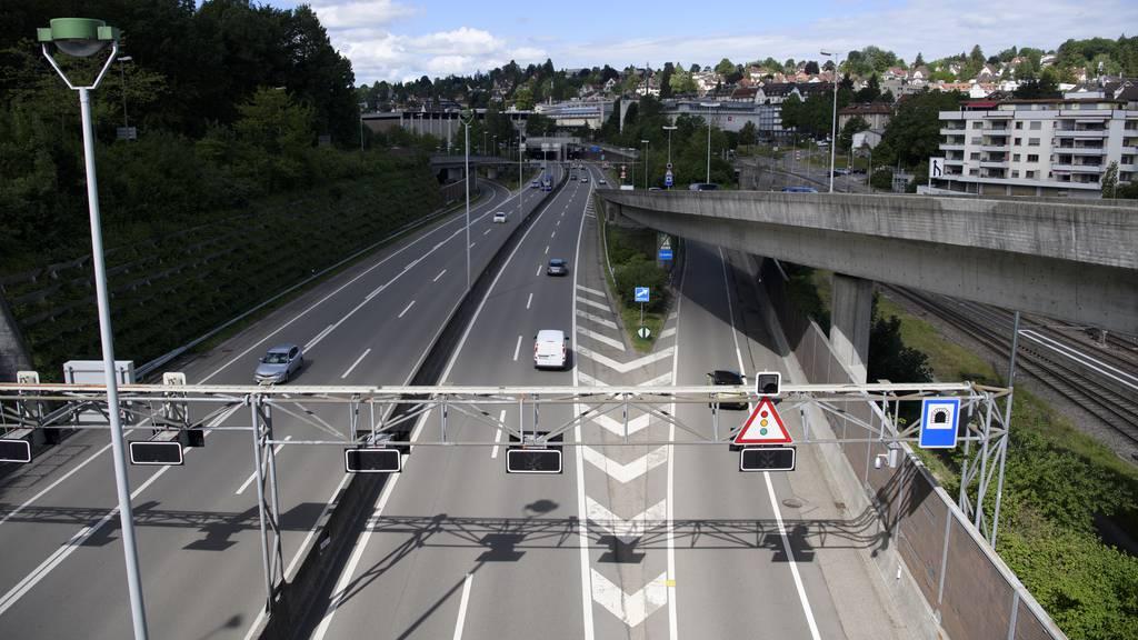Vier Männer nach Autobahnrennen festgenommen