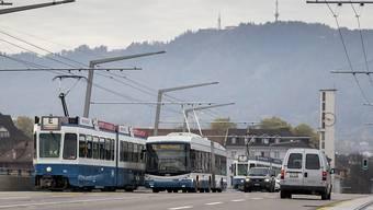 Qualitativ hochstehendes Angebot zu einem akzeptablen Preis: Eine neue Studie erteilt dem öffentlichen Verkehr der Schweiz im europäischen Vergleich die beste Note. (Themenbild)