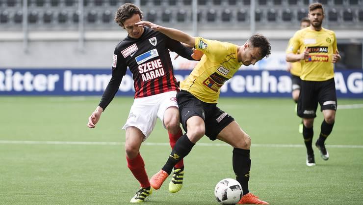 Der FC Aarau geht in Schaffhausen mit 0:4 unter.