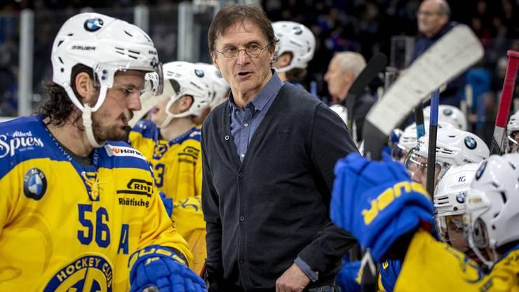 Ex-Davos-Trainer Arno Del Curto spielt jetzt regelmässig Golf. Mit Hockey beschäftigt er derzeit nicht.