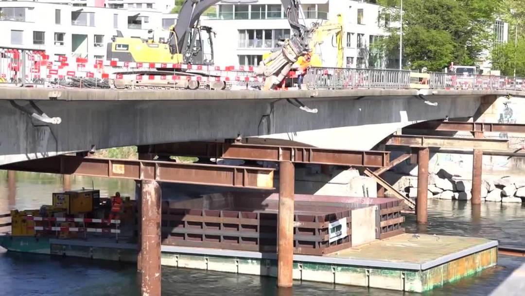 In Aarau hat der Abriss der Kettenbrücke begonnen