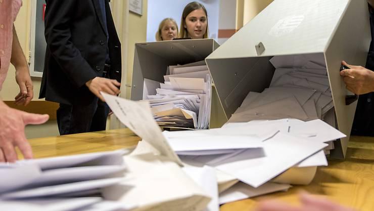 Im Vorfeld der Europawahl hat es laut EU-Kommission in mehreren Mitgliedsländern ernsthafte Versuche gegeben, den Ausgang der Abstimmung zu manipulieren. Die EU-Kommission will nun überprüfen, ob der bisherige Verhaltenskodex über Desinformation ausreicht. (Symbolbild)