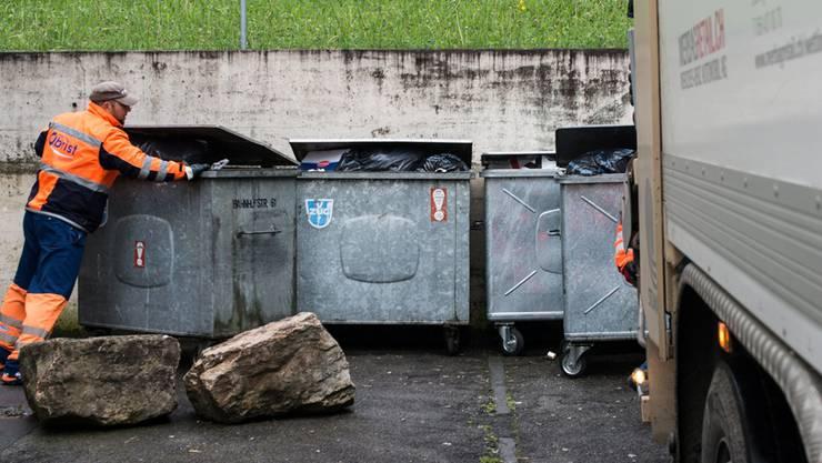 Auch in Spreitenbach soll ab 2019 das Verursacherprinzip für Abfall gelten. (Archiv)