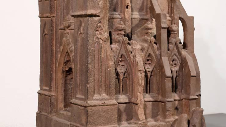 Kirchenmodell der Statue des Kaisers Heinrichs II. vom Westportal des Basler Münsters, um 1280/85.