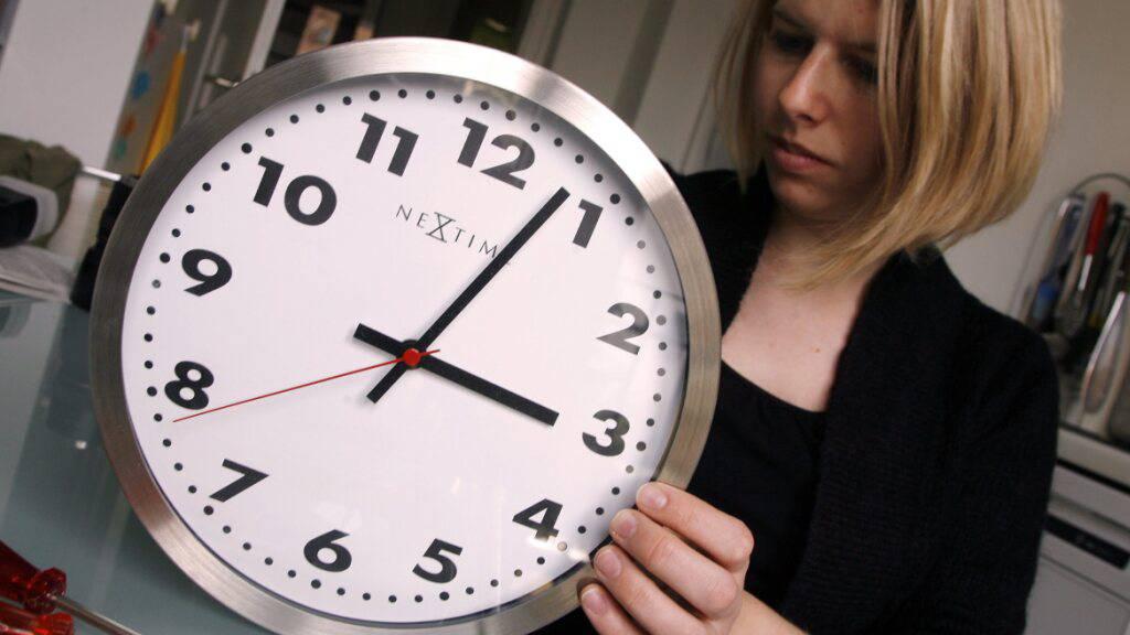 Sommerzeit: Uhren werden am Sonntag um eine Stunde vorgestellt