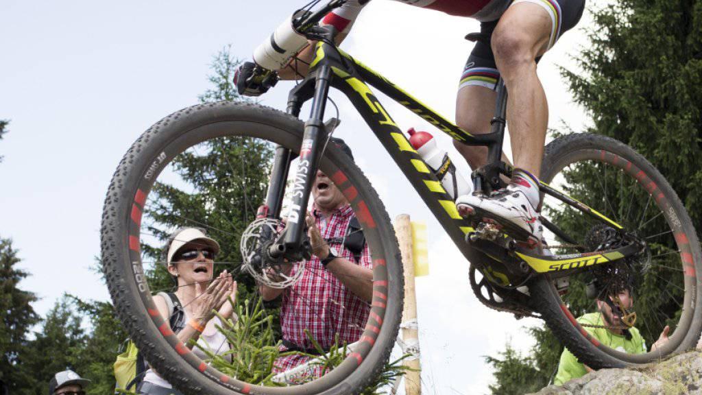 Nino Schurter zeigt am Sonntag sein Können im Heimweltcup am Fuss des Parpaner Rothorns