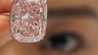 """Niemand wollte den pinken Diamanten - bei einer Auktion in Genf wurde der """"Raj Pink"""" nicht verkauft. (Archiv)"""