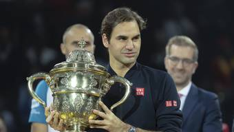 Roger Federer nach seinem Turniersieg in Basel.