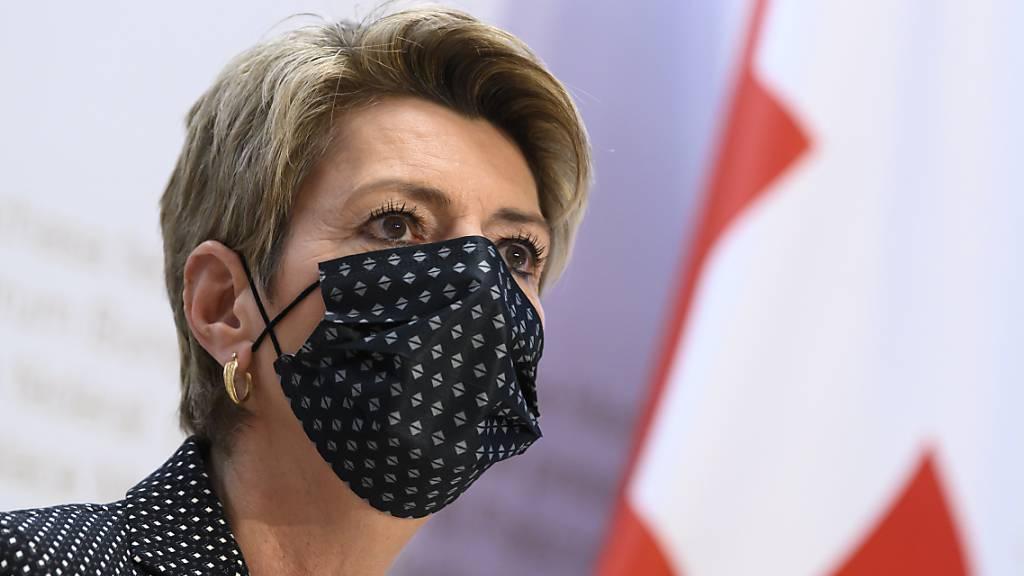 Justizministerin Karin Keller-Sutter argumentierte erfolgreich für Präventivmassnahmen gegen Gefährder. (Archivbild)