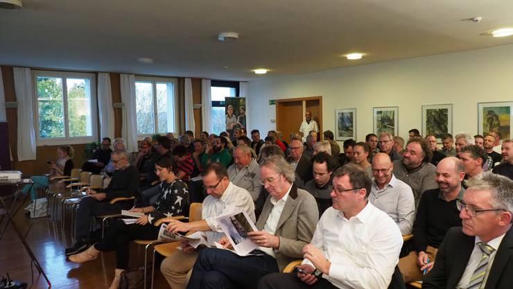 An der ausserordentlichen Generalversammlung von JardinSuisse Aargau (JSA) im Neuhof Birr fiel der Entscheid für den Neubau eines Ausbildungszentrums.