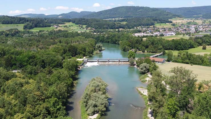 Das jetzige Wasserkraftwerk bei Schönenwerd aus der Luft betrachtet.