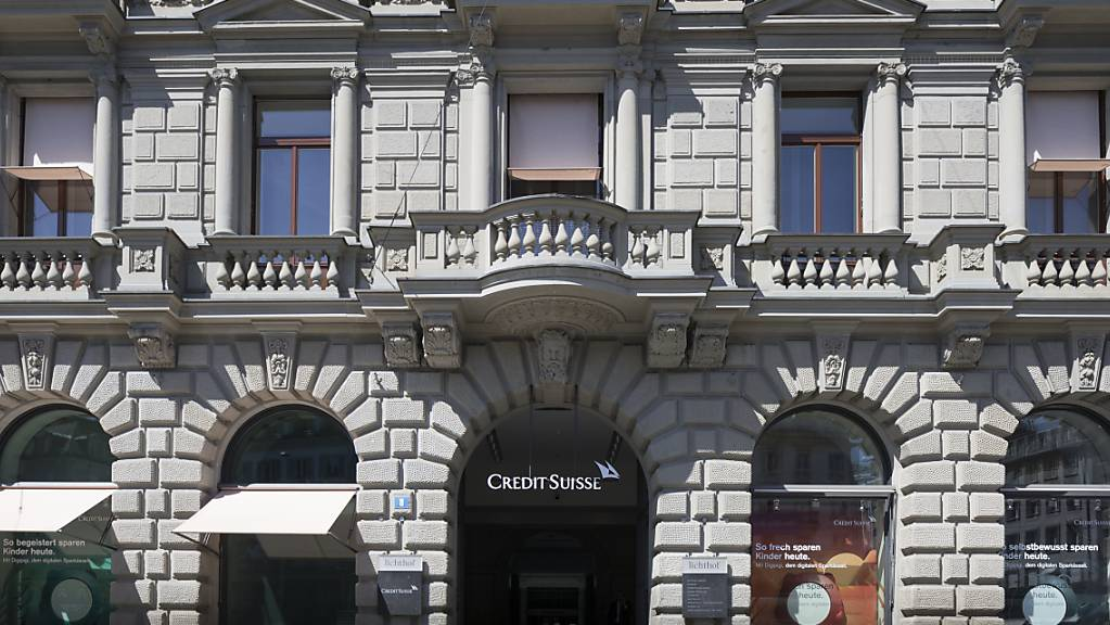 Am Paradeplatz kehrt nach dem Beschattungsskandal bei der Credit Suisse keine Ruhe ein: Die Grossbank untersucht nun Vorwürfe, wonach auch der frühere Personalchef Peter Goerke beschattet worden sei. (Archiv)