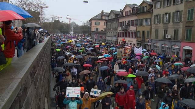Rekord-Klimademo: 12'000 marschieren in Zürich