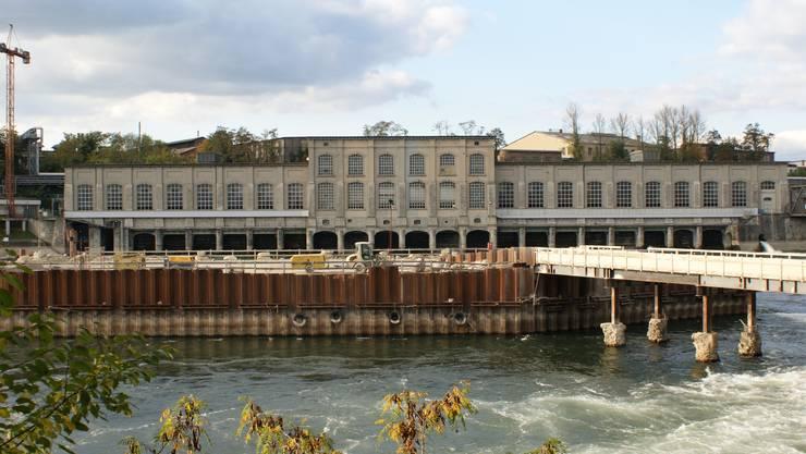 Abbruchreif: Die Bausubstanz des alten Rheinfelder Kraftwerks gilt als marode und nicht mehr sanierungsfähig; Abbrucharbeiten sind bereits ausgeschrieben. ach