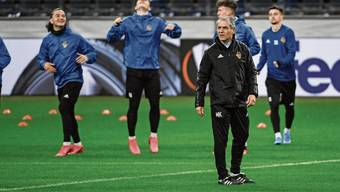 Coach Marcel Koller im gestrigen Abschlusstraining in Frankfurt.
