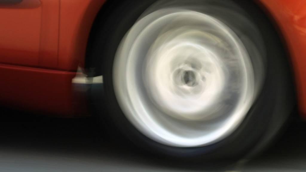 140 km/h statt 80: Polizei nimmt Raser Führerschein weg