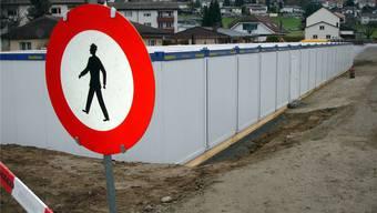 Bewährte Lösung: Wie in dieser Gemeinde wird auch Dornach Container für provisorische Schulzimmer aufstellen müssen.