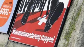 Mit diesen Plakaten warb die SVP gegen Masseneinwanderung (Archiv)
