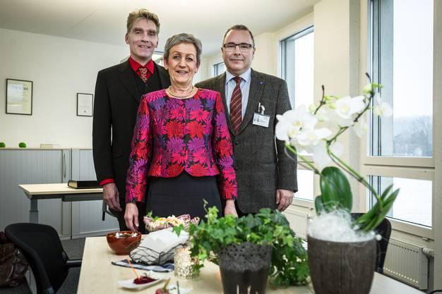 Sie freuen sich über das neue Ambulatorium in Dättwil (v.l.): Jean-François Andrey, Geschäftsleiter PDAG; Christiane Roth, Verwaltungsratspräsidentin PDAG und Dan Georgescu, Chefarzt Ambulatorium Dättwil.