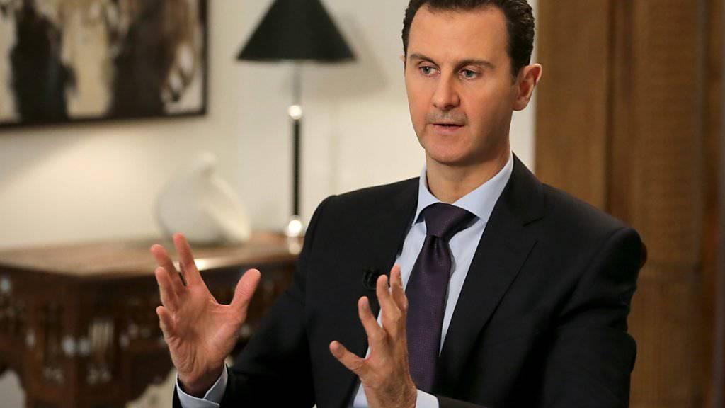 Unter einer Reihe von Bedingungen - unter anderem der Einstellung von Waffenlieferungen an Rebellen - zeigt sich der syrische Machthaber Baschar al-Assad zu einer Waffenruhe bereit. (Archivbild)