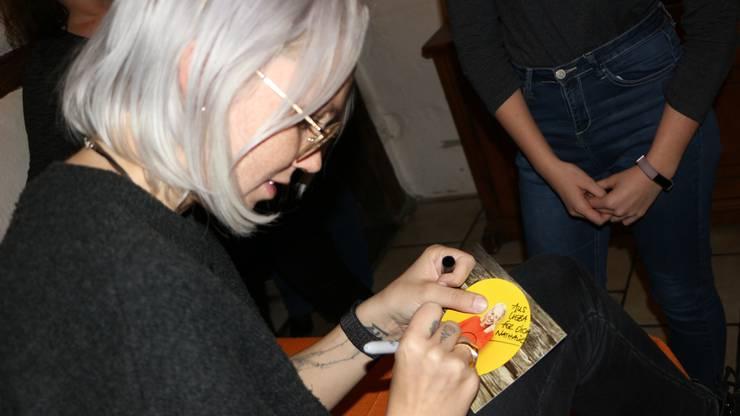 Zu guter Letzt gab es noch Autogramme, Fotos und viele Umarmungen.