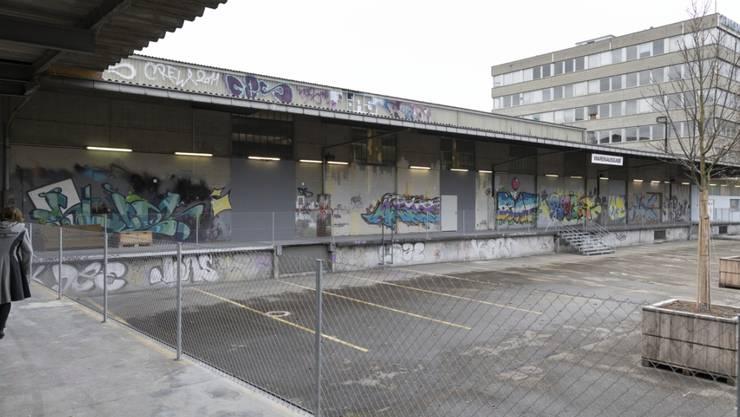 Nimmt am Montag den Betrieb auf: Das landesweit grösste Bundesasylzentrum auf der ehemaligen Abfalldeponie Feldreben in Muttenz.