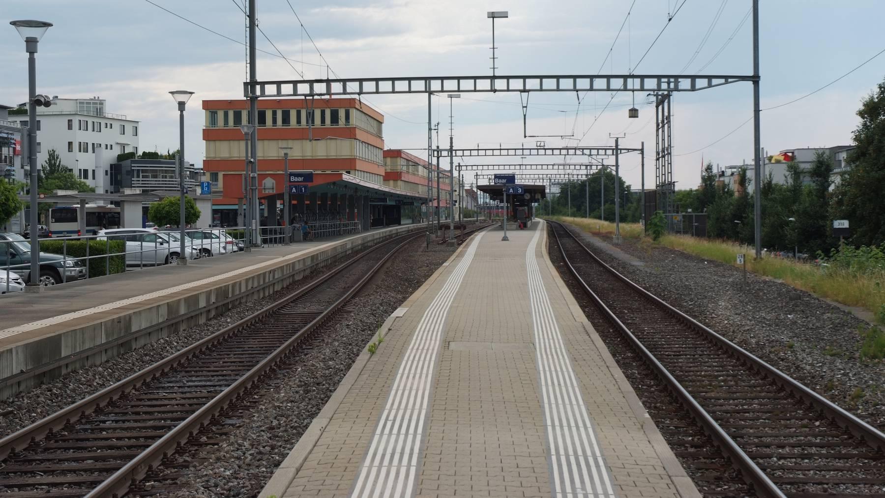 Bahnhof_Baar_Bahnsteig_1