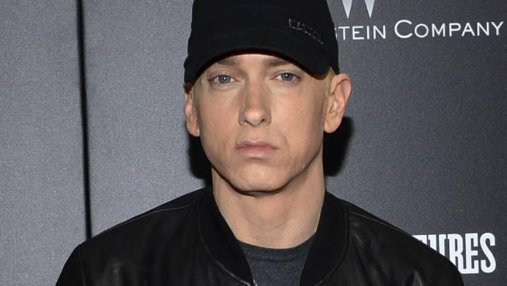 """Unter dem Titel  """"Music To Be Murdered"""" veröffentlicht Rapper Eminem ein neues Album mit 20 Songs. Als Gäste sind Stars wie  Ed Sheeran und der kürzlich gestorbene Rapper Juice Wrld mit dabei."""