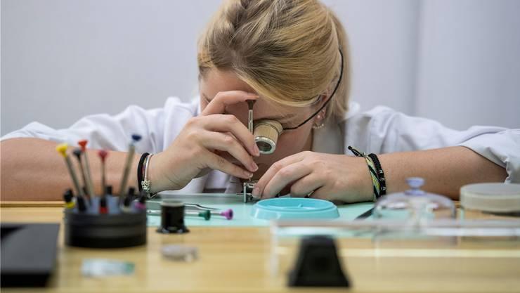 Offene Lehrstellen in der Uhrenindustrie sind meistens schnell besetzt.