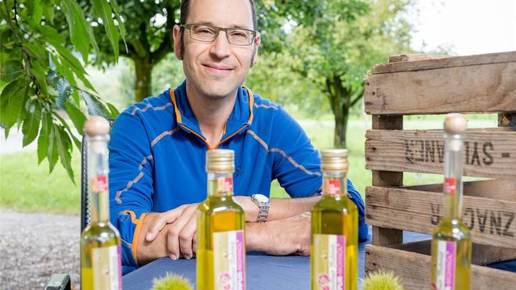 Mit seinem Mohnöl ist der Landwirt David Brugger am Pfalzmärt in Veltheim anzutreffen.