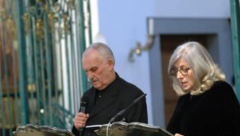 Roswita Schilling und Hans Rudolf Twerenbold lesen aus den Werken des Berner Pfarrers Kurt Marti. Ursula Burgherr