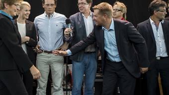 Die SVP-Wahlveranstaltung im Zürcher HB wurde von Linksautonomen gestört. Veranstalter von solchen Politanlässen in SBB-Bahnhöfen müssen neu die Sicherheitsleistungen bei der SBB bestellen und für deren Kosten aufkommen.