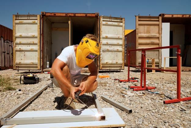 Projekte gibt es auf dem Areal noch keine, dafür fleissige Handwerker.