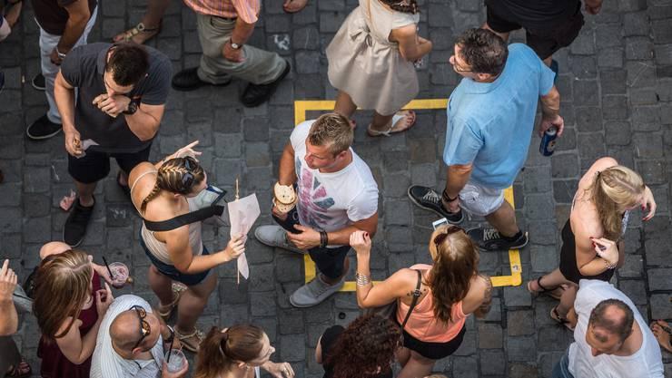 Ecke Metzgergasse/Kronengasse: Drei Menschen auf einem Quadratmeter (gelb) gab es oft, fünf nur selten