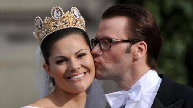 Feiern ihren ersten Hochzeitstag: Schwedens Kronprinzessin Victoria und Prinz Daniel (Archiv)