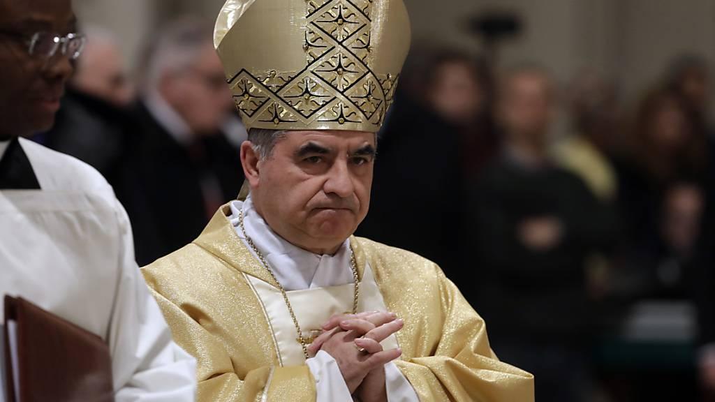 Ungewöhnlicher Rückzug im Vatikan: Kardinal Becciu tritt ab