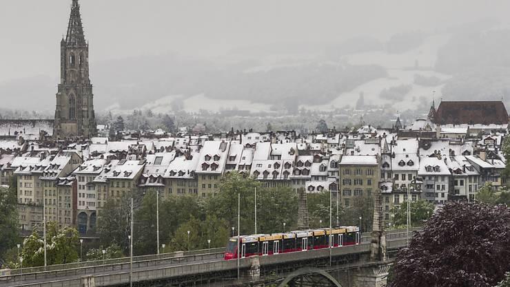 Auch für die Löhne der Berner Münsterpfarrer ist ab 1. Januar die Kirche zuständig.