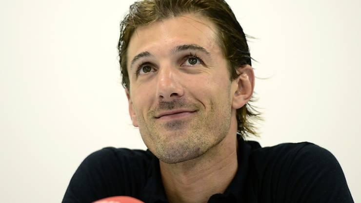 Der Schweizer Radprofi Fabian Cancellara spricht an einer Medienkonferenz in Zug über die bevorstehende Tour de Suisse