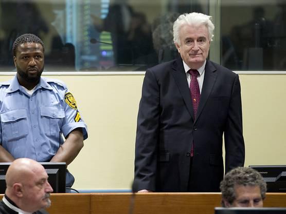 Nun ist der politisch Hauptverantwortliche, Ex-Serbenführer Radovan Karadzic, zu lebenslanger Haft verurteilt worden. Das entschieden die Richter des Uno-Tribunals im Berufungsverfahren am Mittwoch in Den Haag.
