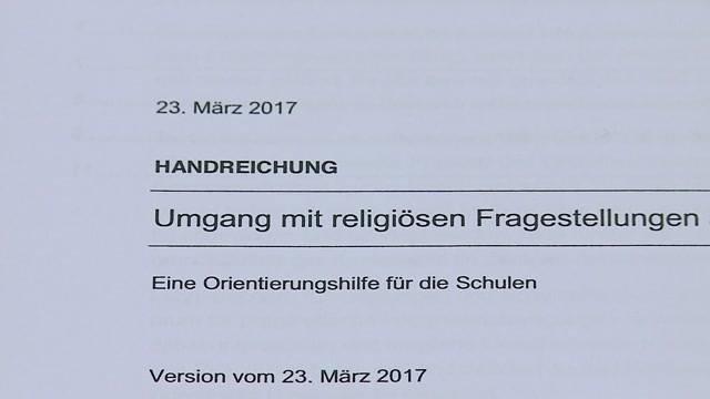Kritik an Religionsleitfaden für Volksschulen