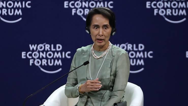 Myanmars Regierungschefin Aung San Suu Kyi äusserte sich am WEF der Asean-Staaten in Vietnam nach langem Schweigen erstmals zur Rohingya-Krise.